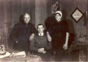 Peter Miskinis met Pieter Hakvoort en Aaltje Hakvoort