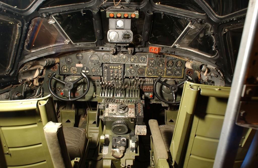 B-24LiberatorCockpit2