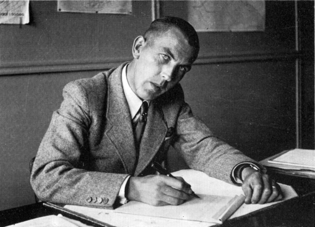 Albert Johannes Knipmeijer (1912-1971) was in de Tweede Wereldoorlog ambtenaar bij de Rijksdienst voor de Wieringermeer (Noordoostpolderwerken) in Kampen.