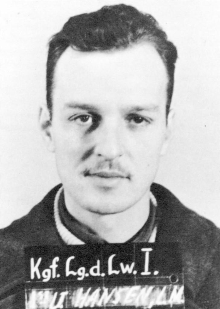LeRoy Hansen als krijgsgevangene.