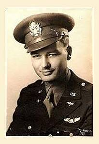 "Joe Buland, piloot van B-24 Liberator ""Old Hickory""."