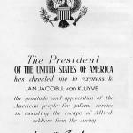 Voor het helpen van vliegeniers zijn meerdere inwoners van Vollenhove bedankt met een Oorkonde van Generaal Eisenhower, de latere Amerikaanse President Dwight D. Eisenhower.