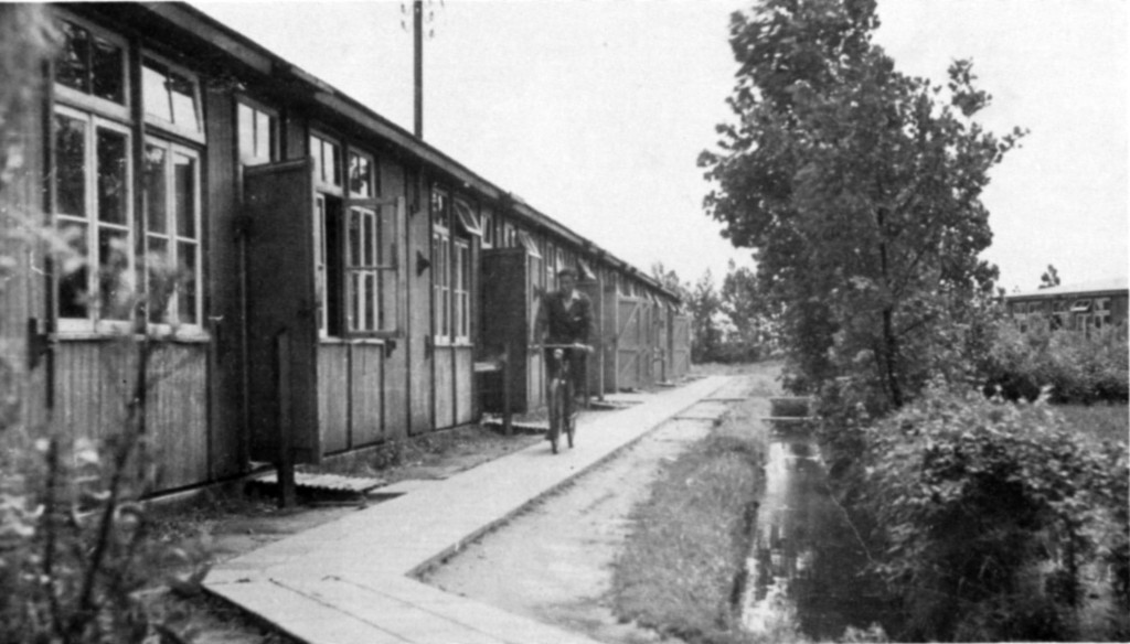 Kamp Zwartemeer ten zuiden van het latere dorp Ens werd op 29 juni 1942 geopend.