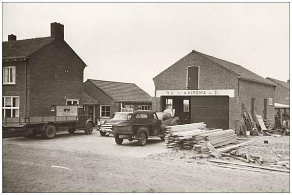 De werkplaats van het aannemersbedrijf Kingma in Vollenhove. Veel boerderijen en woningen in de NOP zijn door dit bedrijf gebouwd.